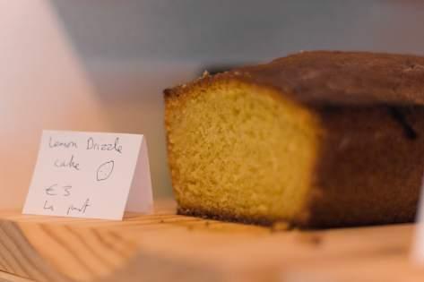 lemon drizzle cake bordeaux